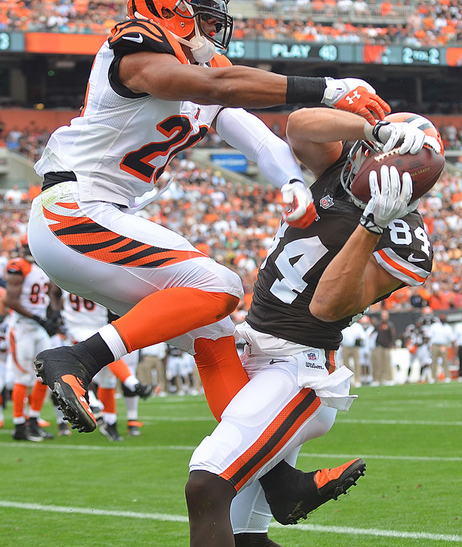Description of . Michael Allen Blair/MBlair@21st-CenturyMedia.com Browns' tight end Jordan Cameron beats Bengals' safety Taylor Mays for a touchdown during the first quarter versus the Bengals at FirstEnergy Stadium in Cleveland, OH. on Sunday, September 29, 2013.