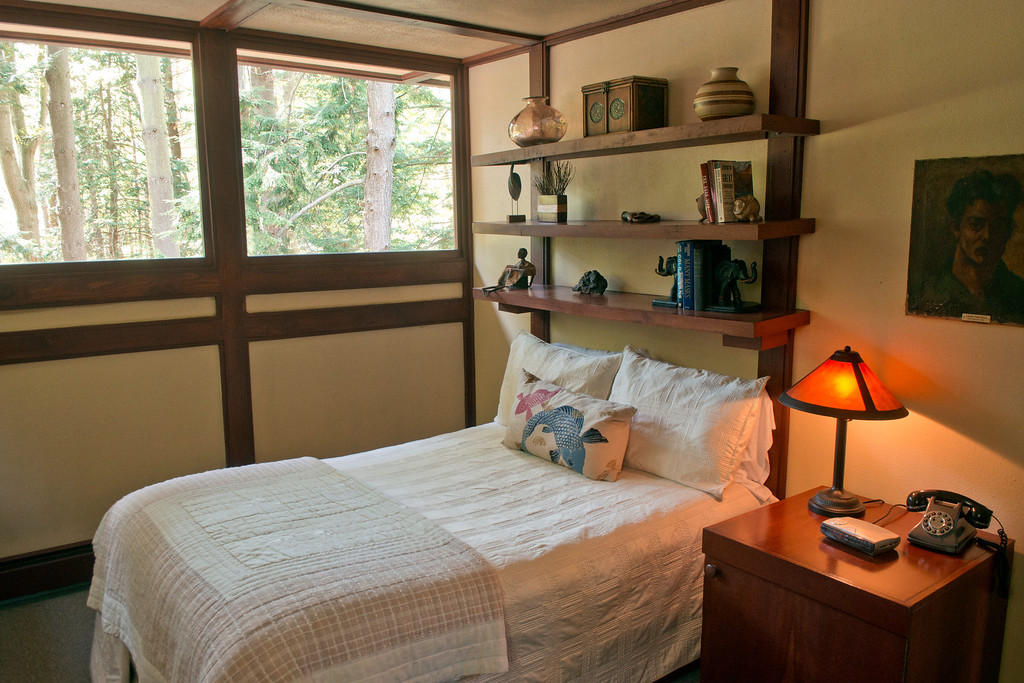 Description of . Duncan Scott/DScott@News-Herald.com One of the three upstairs bedrooms in the Louis Penfield House.
