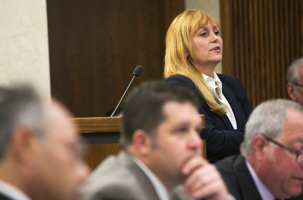 Description of . Michael Allen Blair/MBlair@News-Herald.com Prosecutor Lisa Neroda examines a witness on day three of Kevin Knoefel's murder conspiracy trial in Lake County Common Pleas Court on June 4, 2014.