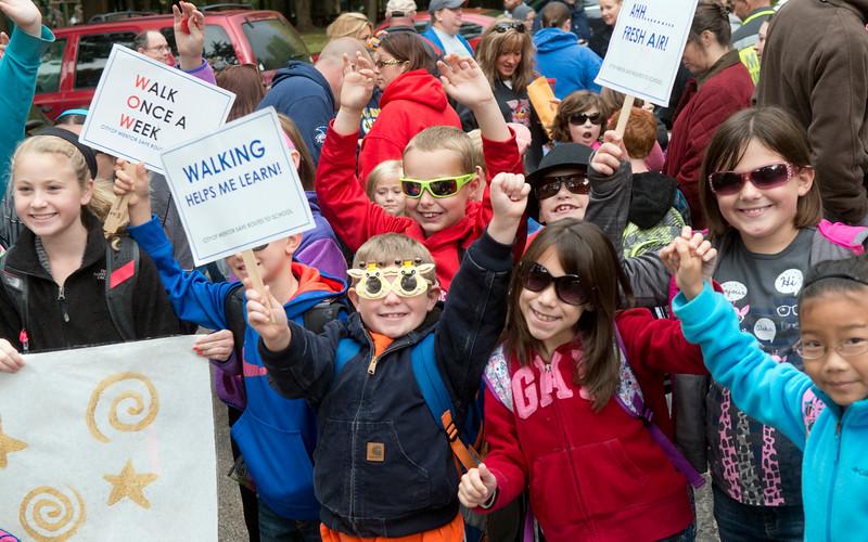 http://jrc-news-herald.smugmug.com/Local/100814-National-Walk-to-School/i-pd2QHfm/0/L/100814%20Walk%20to%20school%202-L.jpg