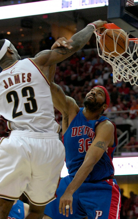 . Cavs Lebron James with a slam dunk in the fourth quarter Sunday against the Pistons.