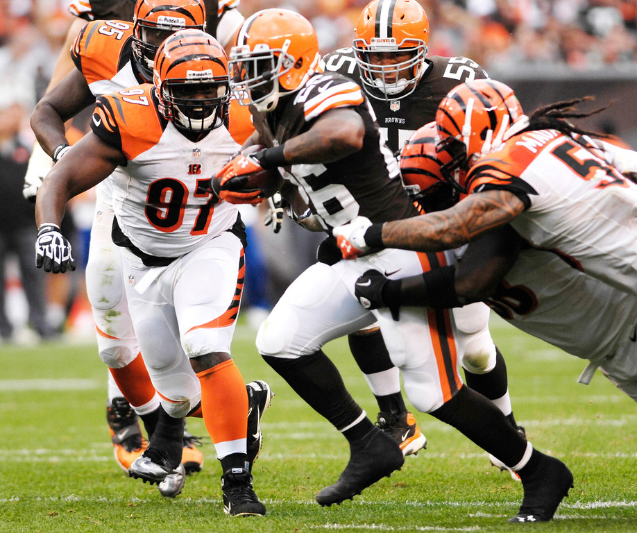 . Jeff Forman/JForman@News-Herald.com Browns running back Willis McGahee is surrounded by Bengals defenders in the fourth quarter of the Browns\' win Sunday at FirstEnergy Stadium.