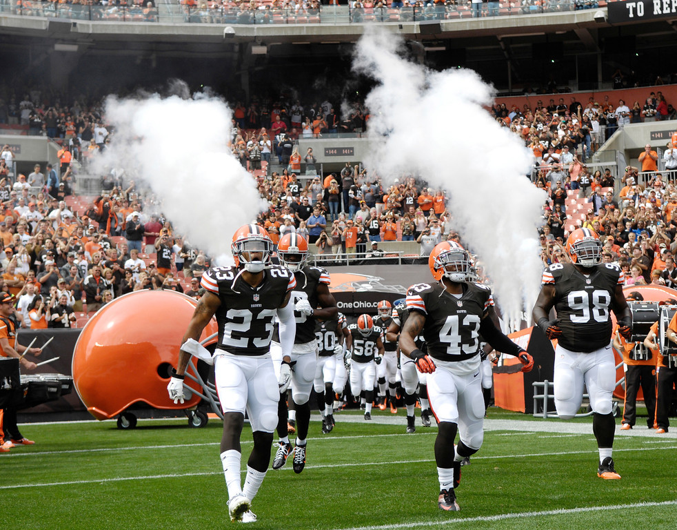 . Jeff Forman/JForman@News-Herald.com The Browns enter FirstEnergy Stadium Sunday before the  Browns\' game against the Cincinnati Bengals