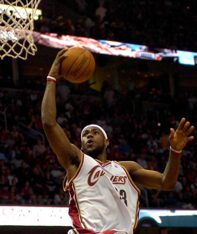 . PHOTO BY DAVID RICHARD LeBron James of  Cleveland finds an open look at the basket yesterday against Washington.