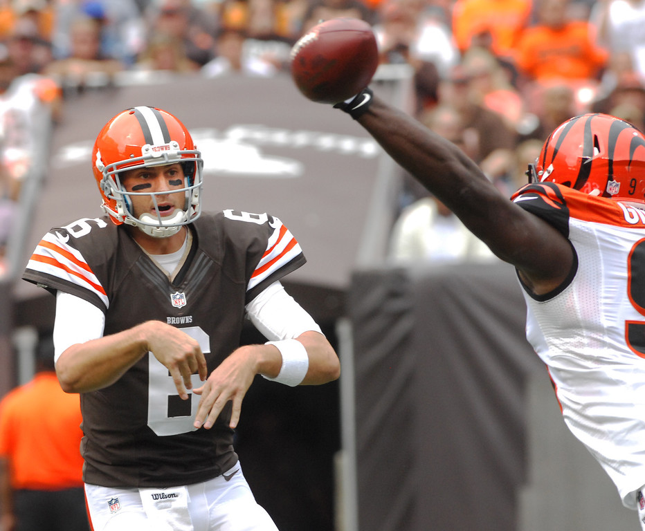 . Michael Allen Blair/MBlair@21st-CenturyMedia.com Browns\' quarterback Brian Hoyer gets a pass off under pressure from Bengals\' defensive tackle Geno Atkins during the second quarter versus the Bengals at FirstEnergy Stadium in Cleveland, OH. on Sunday, September 29, 2013.